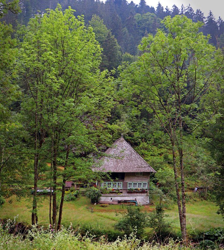 schwarzwaldhaus-schwarzwaldlieb-hexenloch