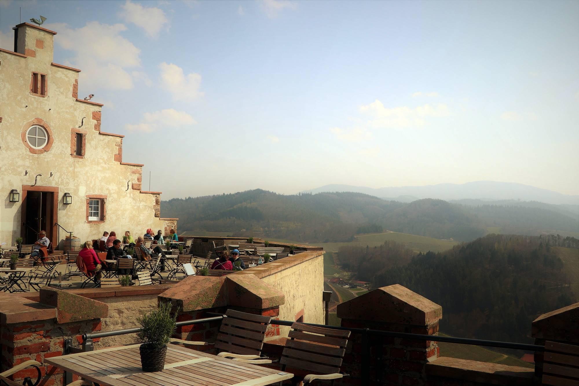 terrasse-schloss-staufenberg